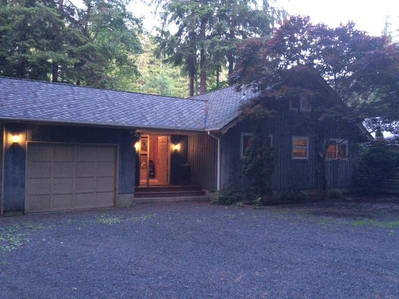 A Cozy River House I - Forks, WA - A COZY RIVER HOUSE I ~ Cozy Riverfront Escape! - Forks - rentals