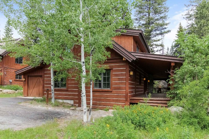 Discovery Chalet 250 - Image 1 - Donnelly - rentals