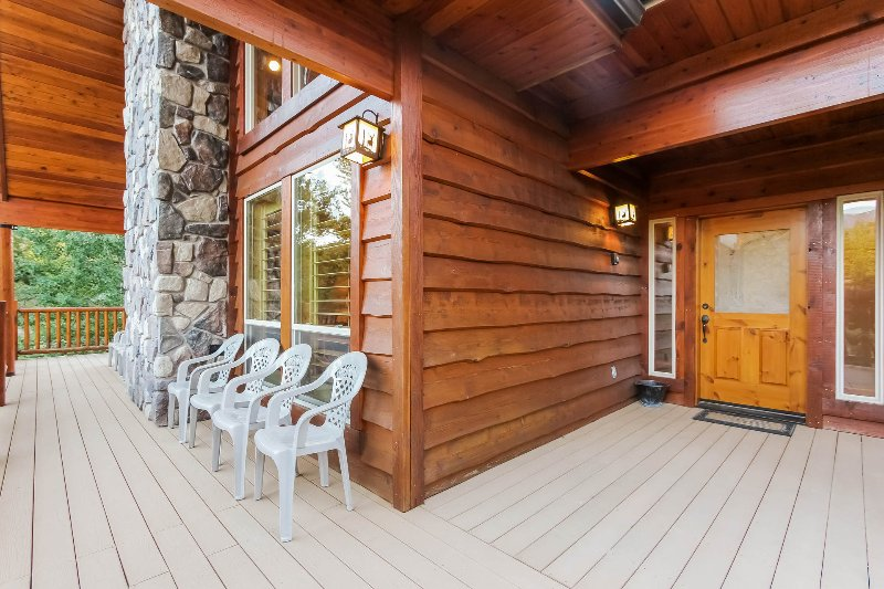 Hereford Cabin 12782 - Image 1 - Donnelly - rentals