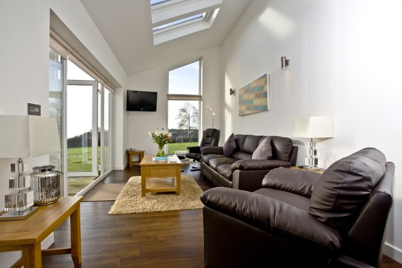 Bluebell, Stoneleigh Village located in Sidmouth, Devon - Image 1 - Sidmouth - rentals