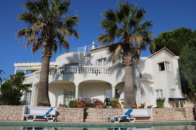 Casa Palmeira - 4 bedroom luxury villa, hot tub, pool & air con. - Budens - rentals