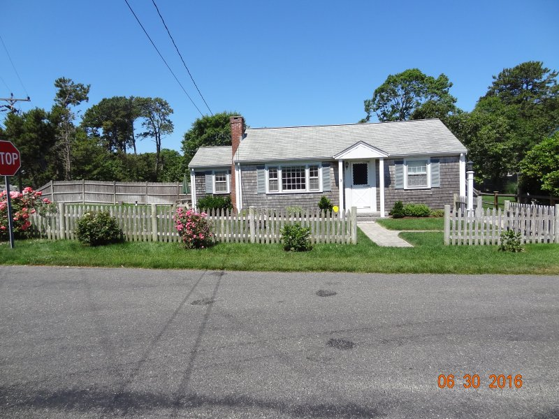 Dennisport Rental - Walk to Beach!  Pet friendly!! - Image 1 - Dennis Port - rentals