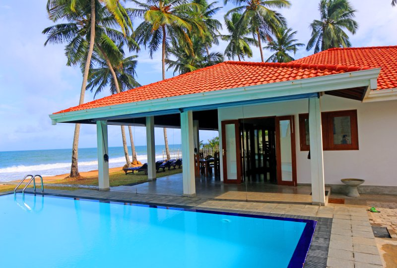 """The Palms Villa"" Large Pool/Open Air Villa/Beach/Pleasant Ocean Breezes - Hikkaduwa Ocean Front ""The Palms Villa""/Large Pool - Hikkaduwa - rentals"