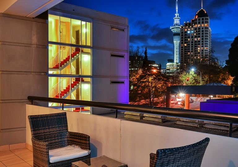 Modern one bedroom apartment with city views - One Bedroom Apartment in Legal District near University with Carpark. - Auckland - rentals