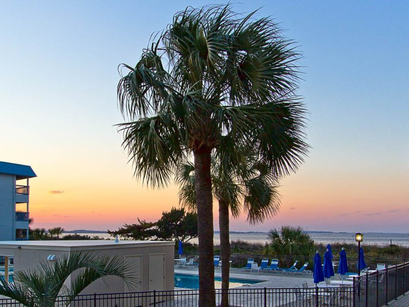 sunset views FROM YOUR BALCONY - Poolside Fun; Beautiful Sunsets; Great Rates!! - Tybee Island - rentals