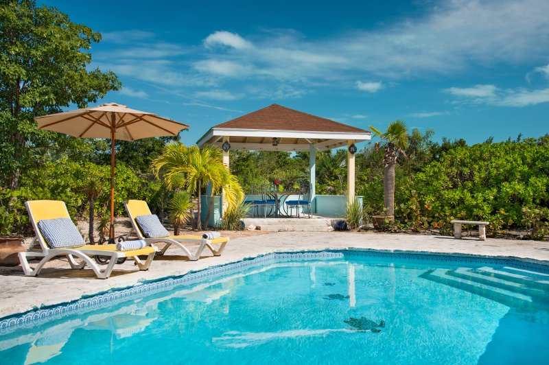 The Pool (36'X18') and Gazebo with privacy and generous decking - Romantic cottage 3 mins from stunning Grace Bay beach. - Providenciales - rentals
