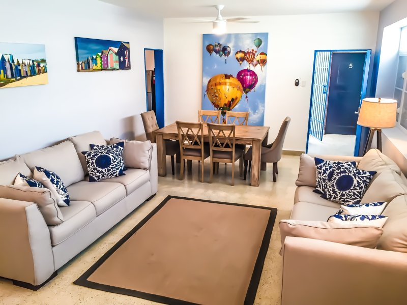 Living area with dinning table and two full size sofa beds - Beach Bungalow IV - Condado, Puerto Rico - Exclusive Areas Beaches & Casinos! - San Juan - rentals