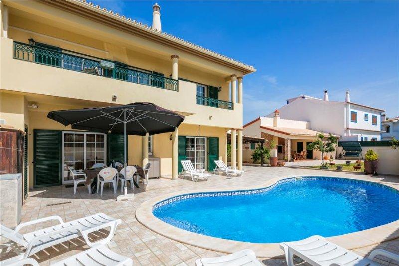 Villa Sandra -  4 bedroom villa  with pool, walk to restaurants and supermarket - Image 1 - Lagoa - rentals