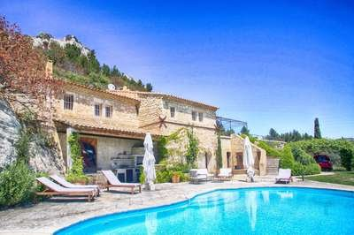 Remarkable property dating back to the Roman times with 3 bedrooms in Saint Remy and Alpilles - Image 1 - Les Baux de Provence - rentals