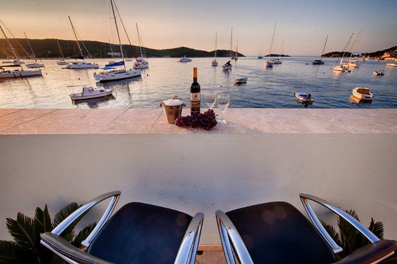 Seaside studio apartments for rent, Vis island - Image 1 - Vis - rentals