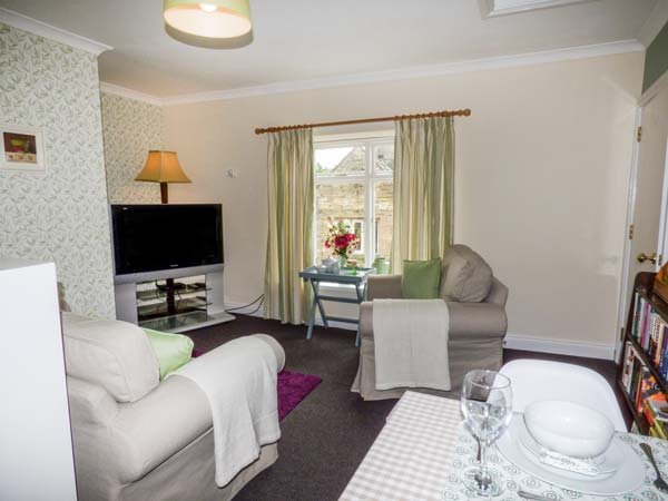 OLD QUEEN'S HEAD, second floor apartment, en-suite bedroom, in Wolsingham, Ref 916004 - Image 1 - Wolsingham - rentals