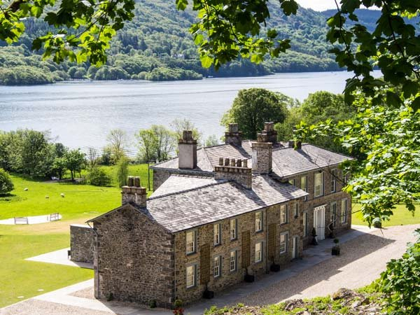 SILVERHOLME, luxury, en-suites, woodburner, pets welcome, next to Lake Windermere, on Graythwaite Estate, Ref 927208 - Image 1 - Graythwaite - rentals