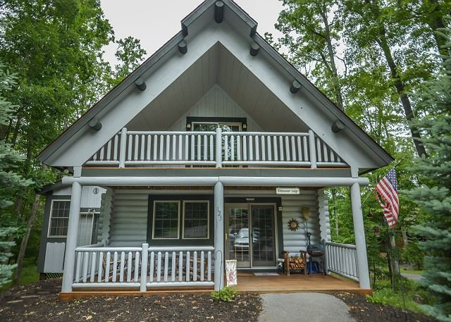 Exterior - Centrally located log cabin with lots of charm! - Oakland - rentals