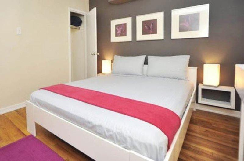 NYC Midtown Vacation Rental, 2 bedroom (6Sleeps) - Image 1 - New York City - rentals