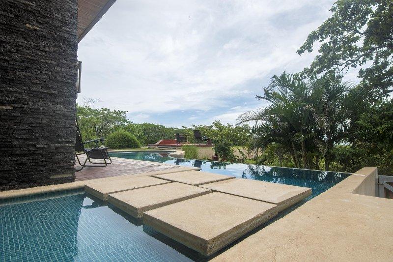 Amazing private infinity edge pool - Casa Brisas del Mar - Conchal - rentals