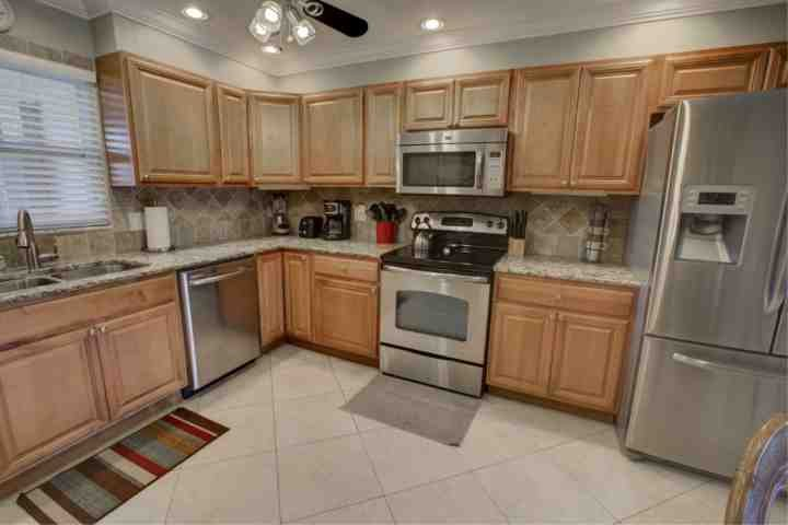 Plenty of room for more than 1 cook with all the amenities needed for meal prep - White Sands Gem - Siesta Key - rentals