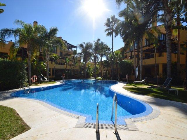 2 bedroom Apartment in Bahia de Banus, Puerto Banus, Spain : ref 2245656 - Image 1 - Puerto José Banús - rentals