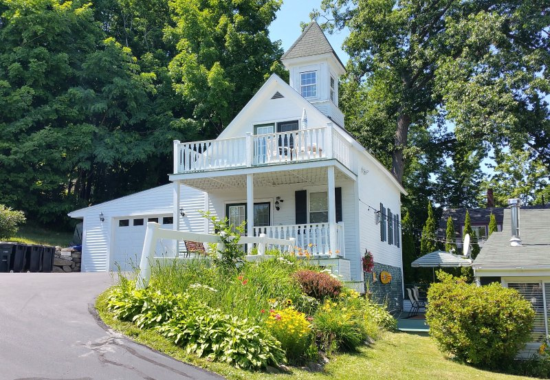 Maples Cottage est. 1890 Open since 2004 - The Maples On The Weirs Beach- NH - Weirs Beach - rentals