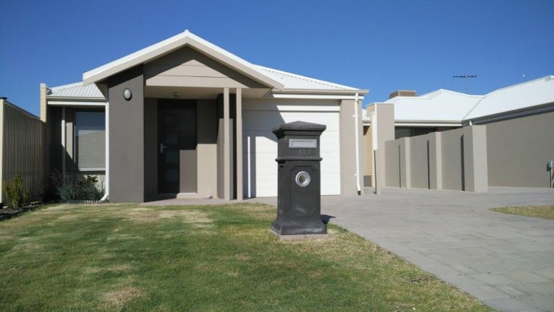 Ashwood House to rent in Mandurah - Lakelands Holiday Home - Mandurah - rentals