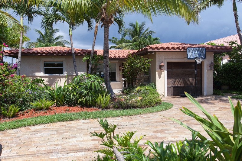 Grounds - Villa Maria Waterfront family-Home, heated pool, - Pompano Beach - rentals