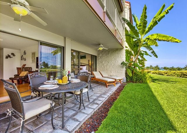 Lanai for Dining and Lounging with a View - Ocean and Golf Course Views From Upgraded Unit! Keauhou Punahele B102 - Kailua-Kona - rentals