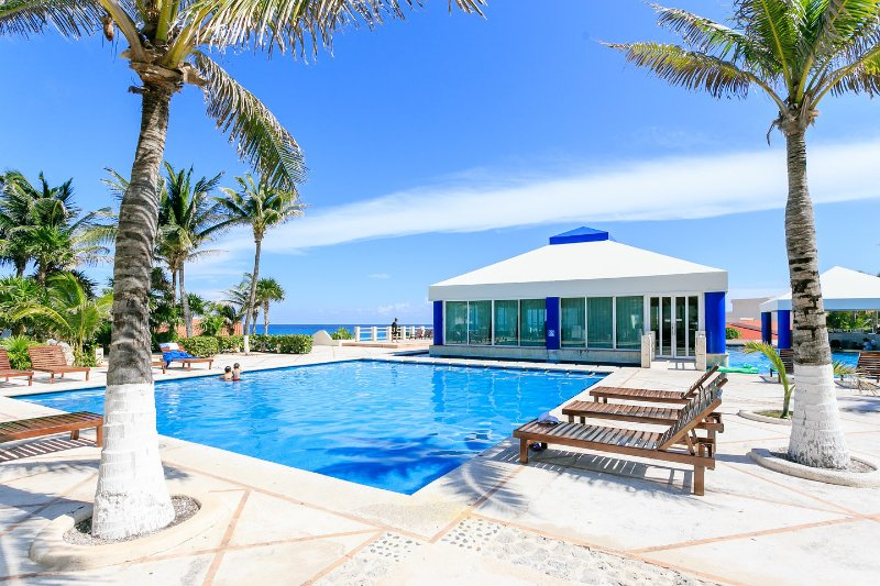 The Pool - 2 bedroom condo - Cancun - rentals