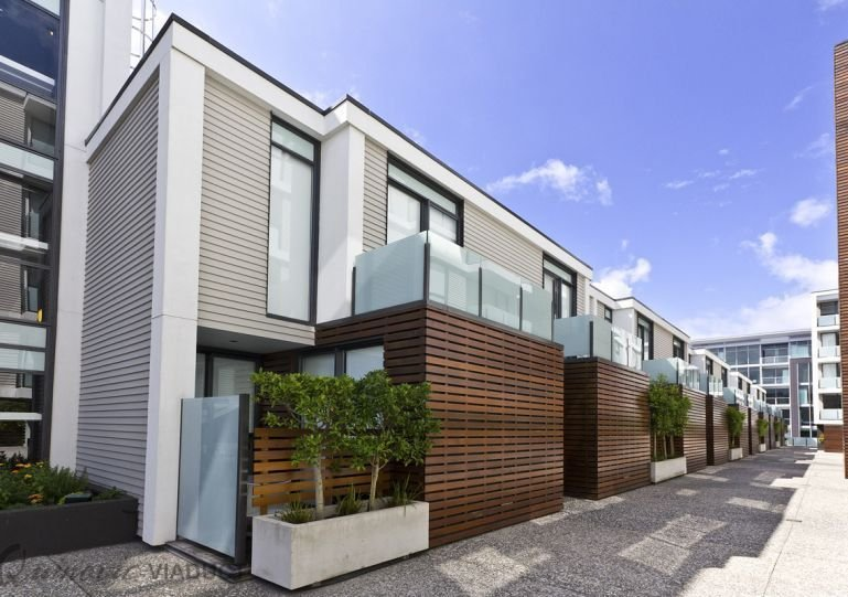 Apartment is on the top floor with a balcony - One Bedroom Apartment Viaduct Harbour with Carpark - Auckland - rentals