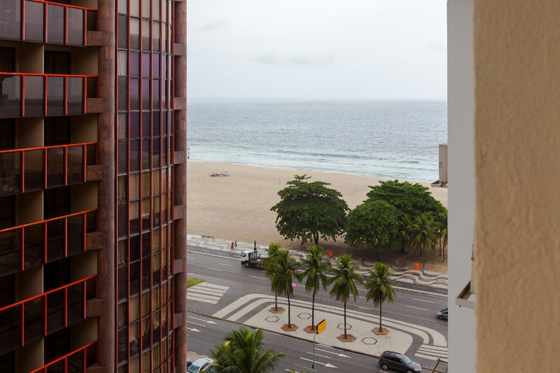 The Master Bedroom - triple ocean view bedroom in copacabana - Rio de Janeiro - rentals