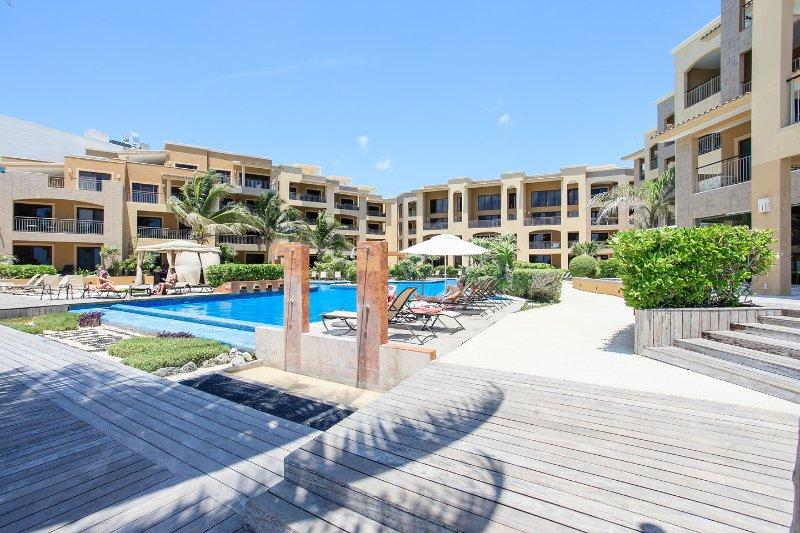 The Pool - EL FARO 1 BEDR SPECTACULAR BEACHFRONT DOWNTOWN 203 - Playa del Carmen - rentals