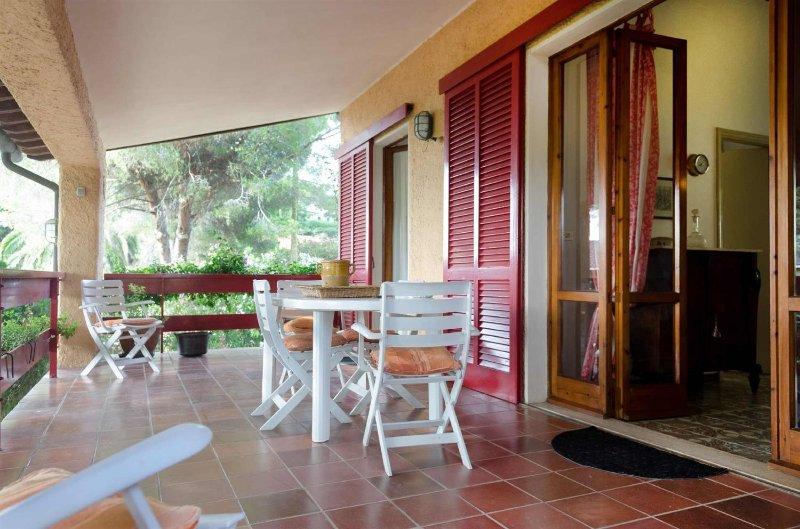 Villa Giol?: La Terrazza Apartment near the beach in the bay from Portoferraio - Image 1 - Portoferraio - rentals