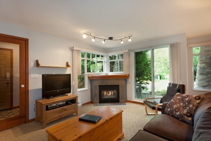 Large, spacious living area - Whistler Stoney Creek Sunpath 1 Bedroom Condo - Whistler - rentals