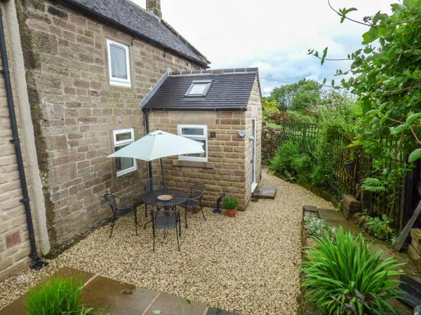 MOOR LANE HOUSE, detached, woodburner, WiFi, pet-friendly, garden, in Elton, Ref 932885 - Image 1 - Elton - rentals