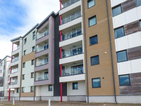6 DOC FICTORIA luxury townhouse, en-suite, balcony with views, WiFi, in Caernarfon Ref 940142 - Image 1 - Caernarfon - rentals