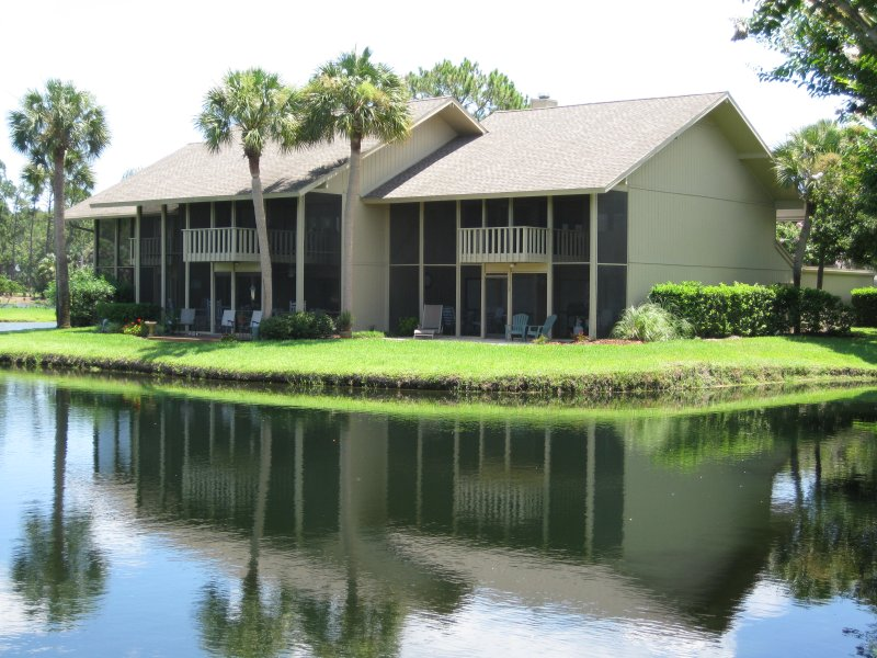 End unit on the pond - Sawgrass Living! 3 BR Sawgrass CC Townhome - Ponte Vedra Beach - rentals