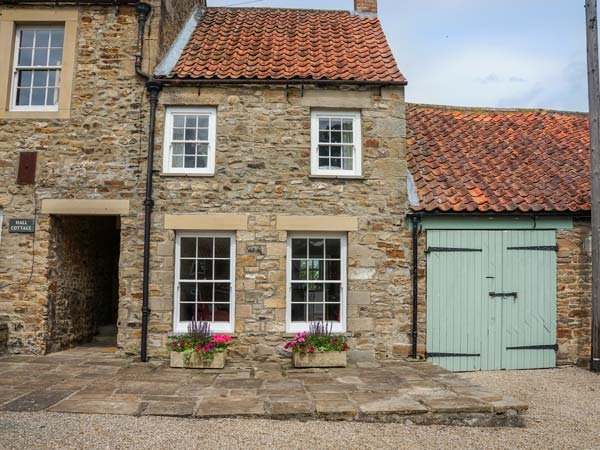 GARDEN COTTAGE, stone-built, woodburning stove, pet-friendly, romantic retreat, Barnard Castle, Ref 935462 - Image 1 - Barnard Castle - rentals