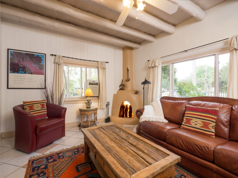 Caballo Home Away From Home with a Kiva Fireplace - Image 1 - Santa Fe - rentals