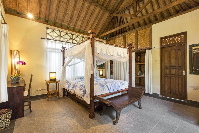 The Bedroom of Kunang Kunang - Beautiful property in quiet Balinese ricefields. - Ubud - rentals