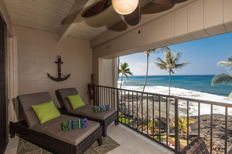 Comfy New Loungers on Lanai for Relaxing! - Oceanfront Top Floor Condo #421 with Stunning View! - Kailua-Kona - rentals