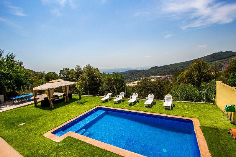 Villa Sole Sant Feliu for 8 guests, just a short drive to Barcelona! - Image 1 - Castellar del Valles - rentals