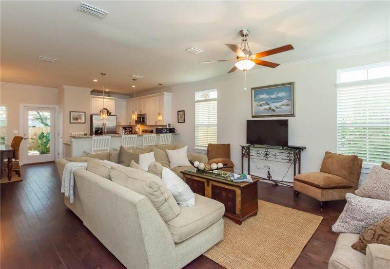 Jake's Place, 3 Bedroom, Historic St. Augustine,  WiFi, Sleeps 8 - Image 1 - Saint Augustine - rentals