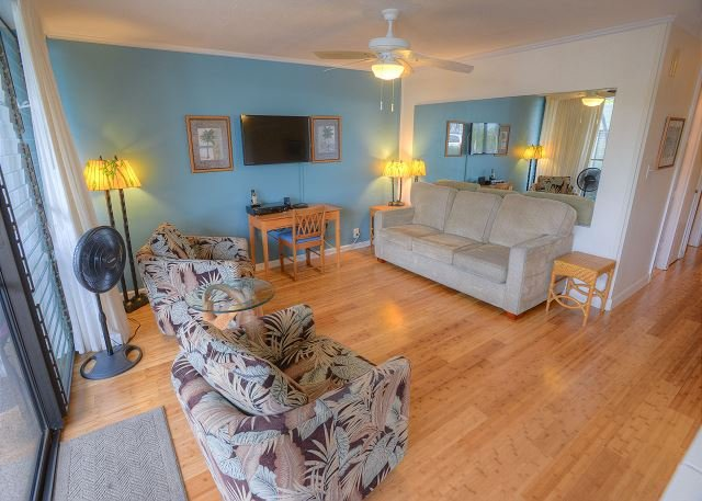 FALL SPECIALS! Ground Floor Condo Across from Kamaole Beach Park III - Image 1 - Kihei - rentals
