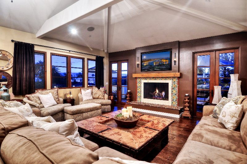 Expansive living room has television, fireplace, and room for everyone - Spacious & Enchanting custom built ocean view villa. - Dana Point - rentals