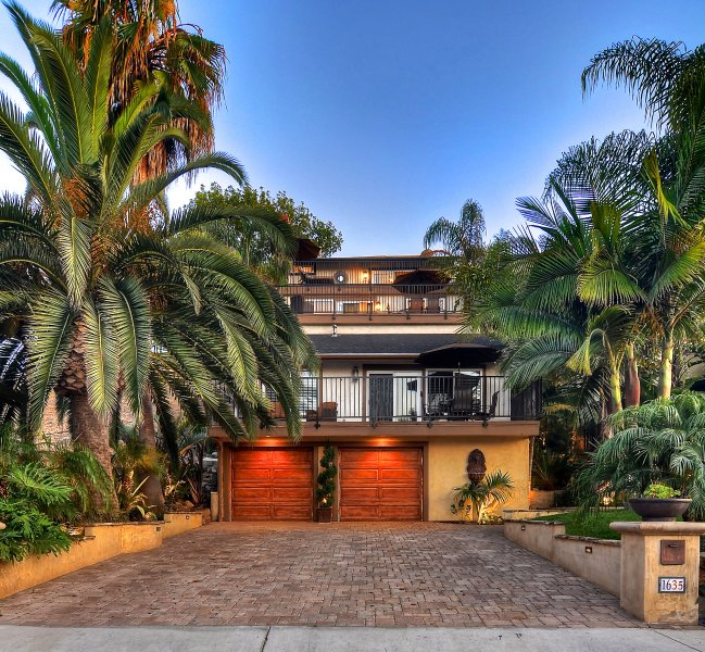 San Clemente tropical paradise steps to the beach - Steps to beach access & restaurants at North Beach, near oceanfront outlets! - San Clemente - rentals
