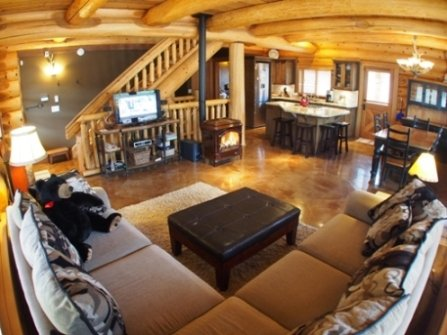 Main Floor Area - Vacation Homes - Eagle Home - Sun Peaks - rentals
