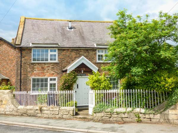 THE OLD CHAPEL, semi-detached, private garden, pet-friendly, woodburner, WiFi, in Ferrensby, Ref 938973 - Image 1 - Ferrensby - rentals