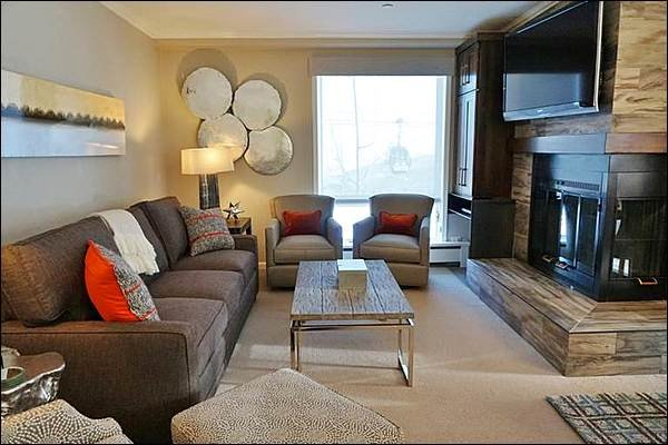 Living Room with Fireplace - Slopeside Location - Concierge Services (2981) - Snowmass Village - rentals