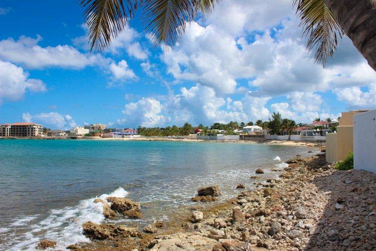 LA CASITA...charming, comfortable oceanfront villa in Beacon Hill, St Maarten - Image 1 - Beacon Hill - rentals