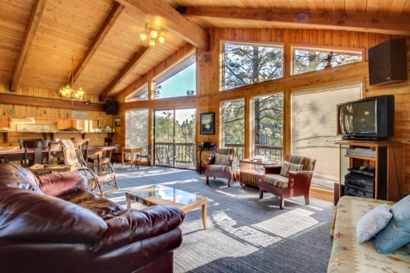 Riverfront home with gorgeous views - Image 1 - Garden Valley - rentals