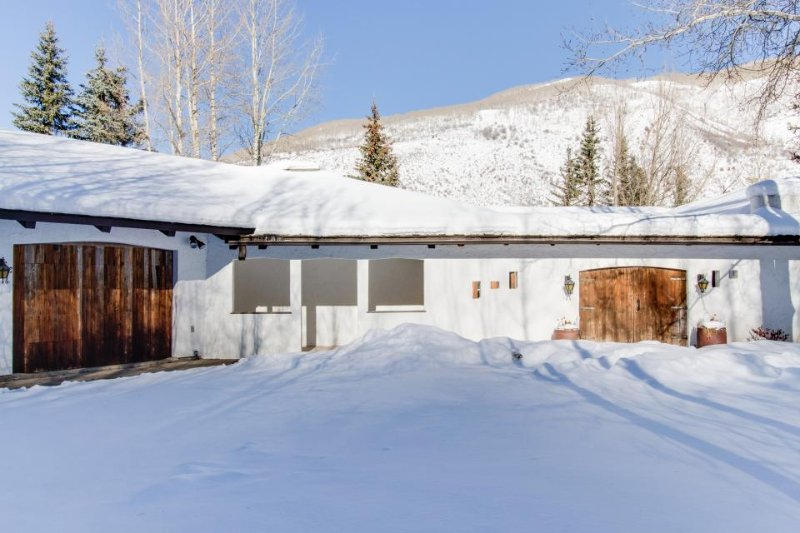 Grand mountain home w/ private hot tub, game room & nearby ski access! - Image 1 - Vail - rentals