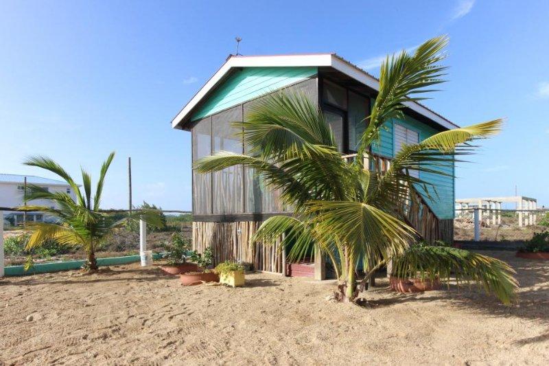 Waterfront cabana w/ hammock & bikes, near lagoon & beach! - Image 1 - Placencia - rentals